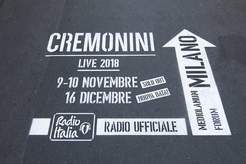 graffiti pubblicitari radio italia cesare cremonini