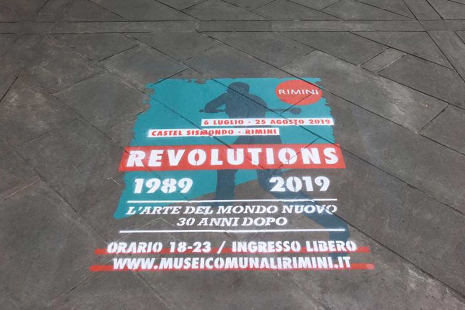 street advertisement comune di rimini revolutions