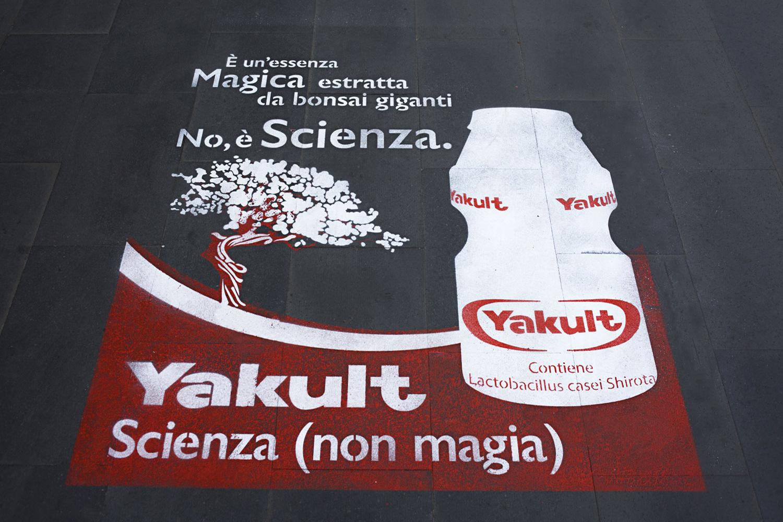 GreenGraffiti Yakult Marketing Prossimità