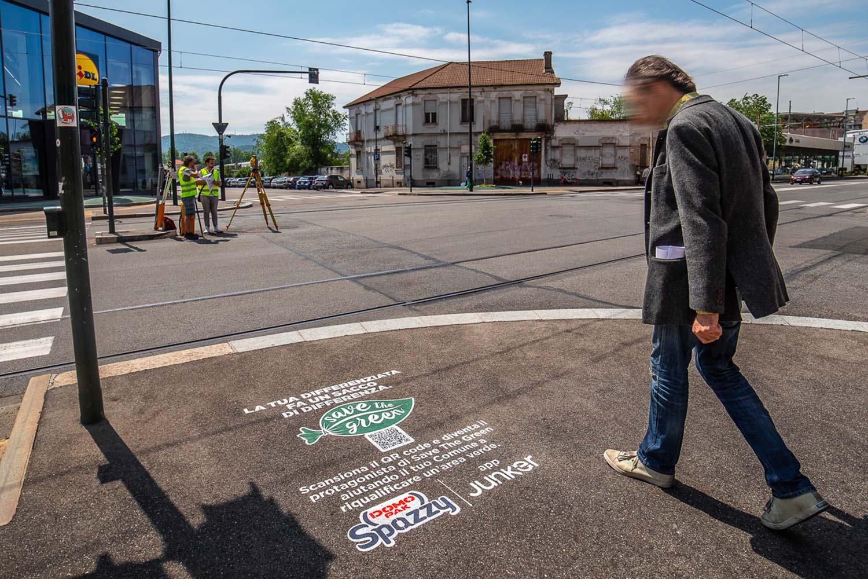 graffiti pubblicitari Domopak Spazzy