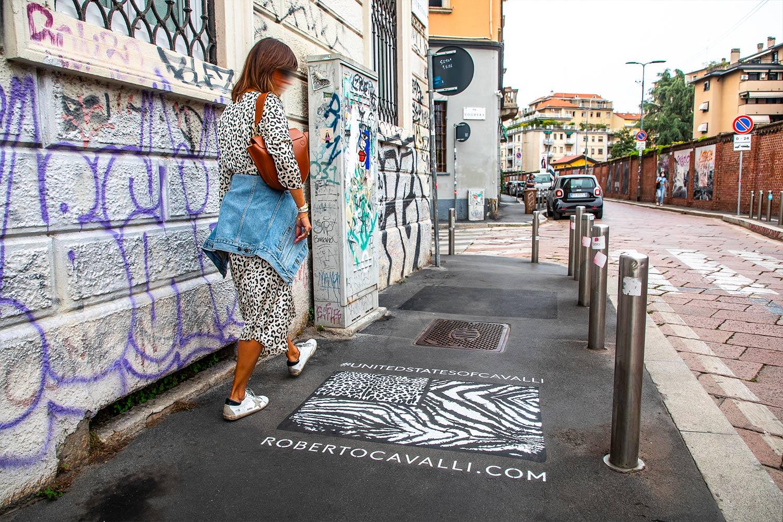 street marketing Roberto Cavalli
