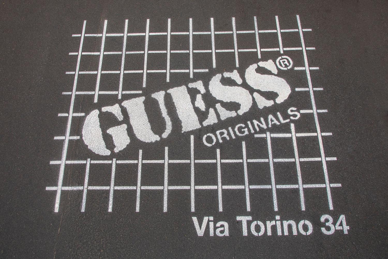 campagna pubblicitaria Guess