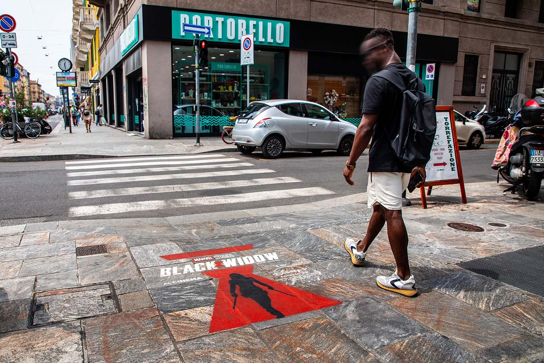 street marketing Disney+ - Black Widow