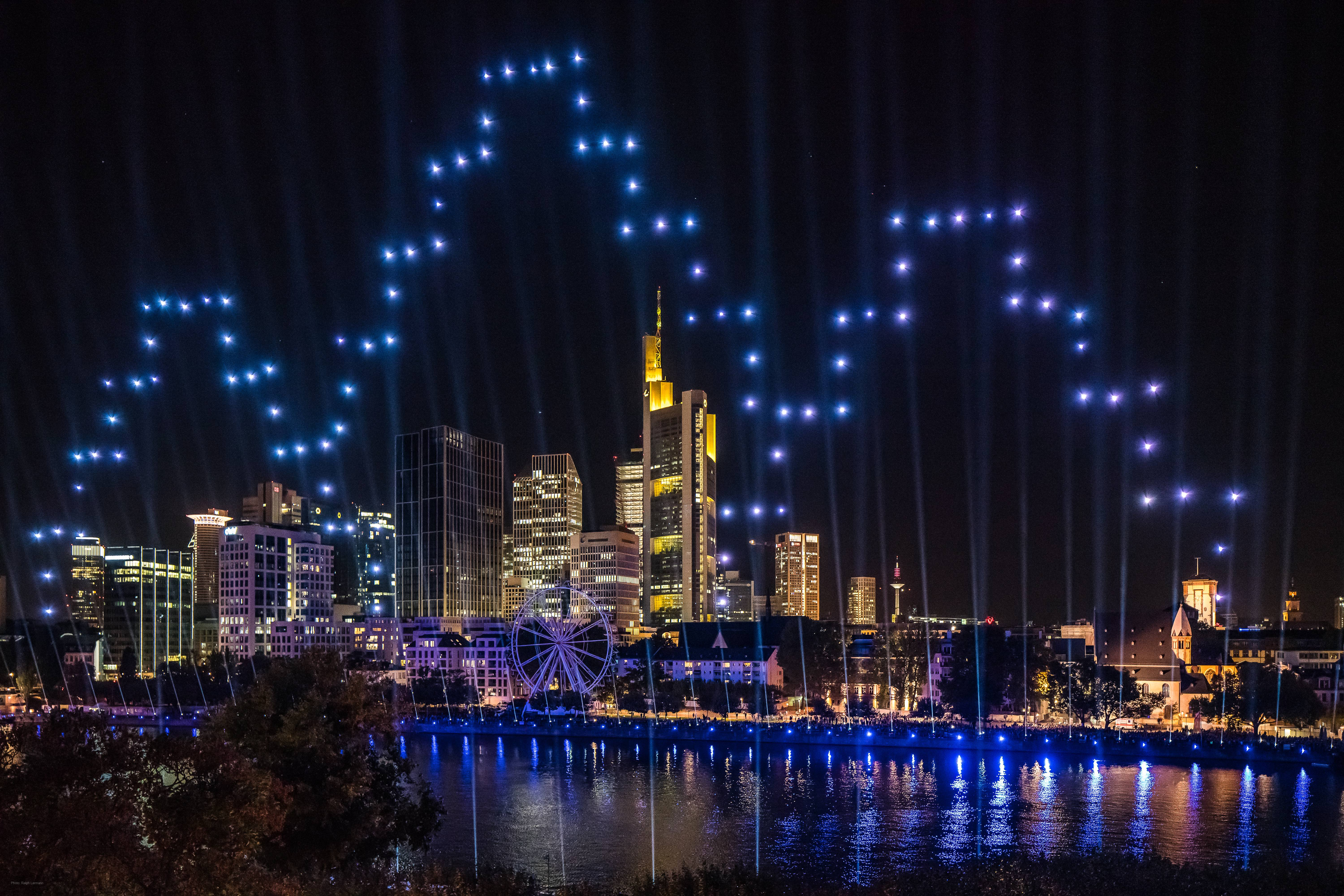 "Drone show ""Constellations"" celebrates the New Old Town of Frankfurt"