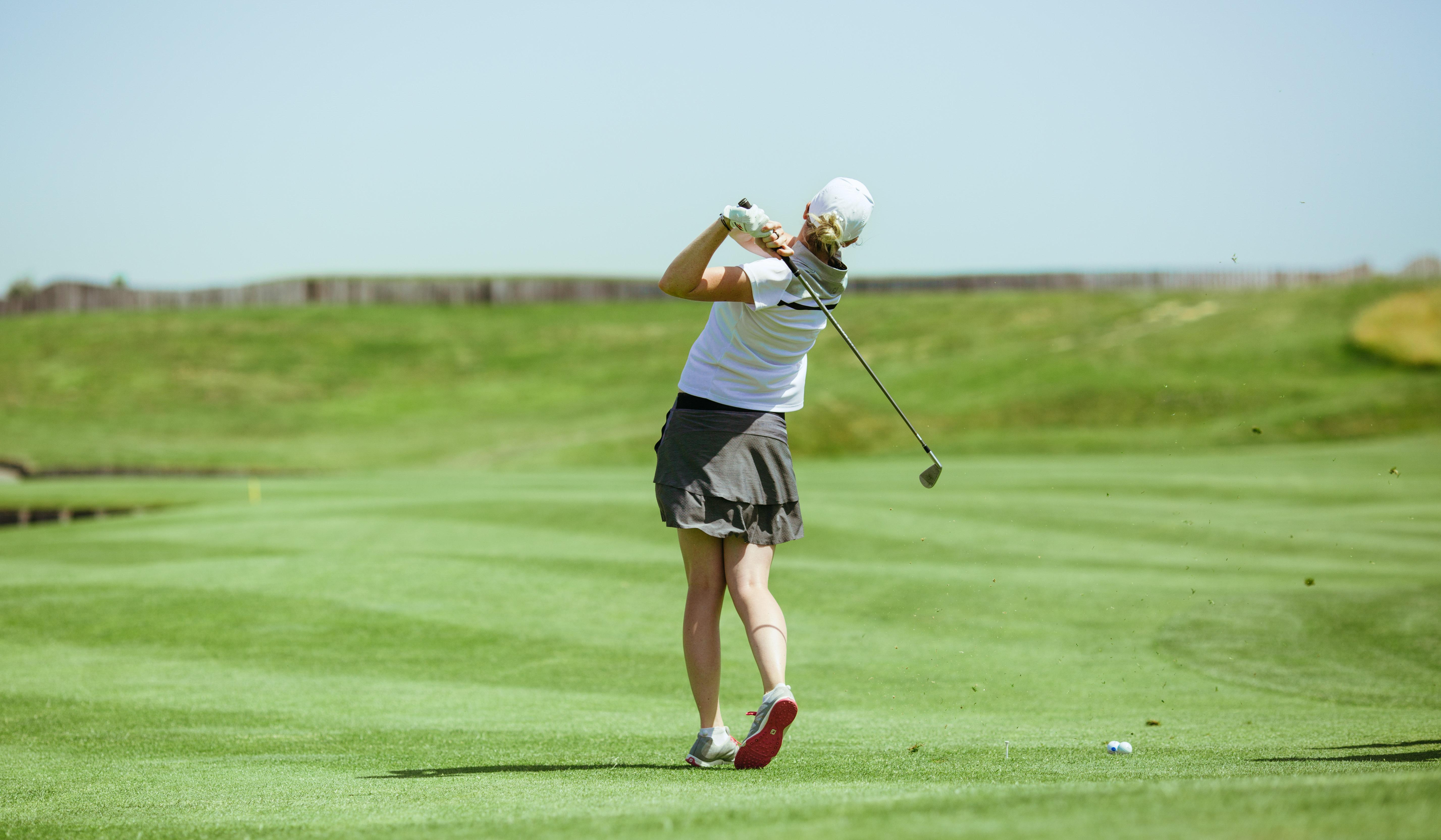Golfeuse participant à la compétition S4M au golf national
