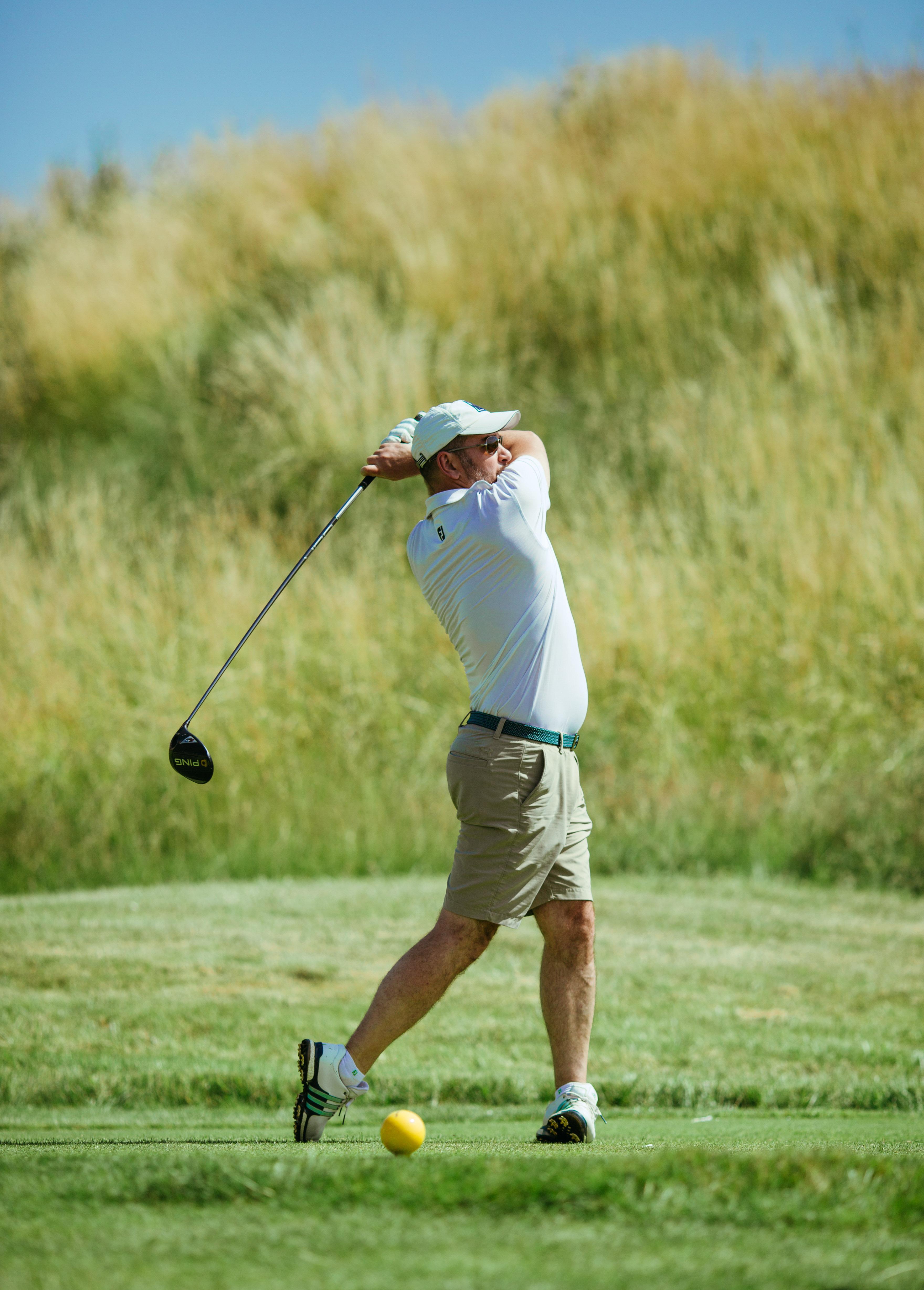Golfeur participant à la compétition S4M au golf national