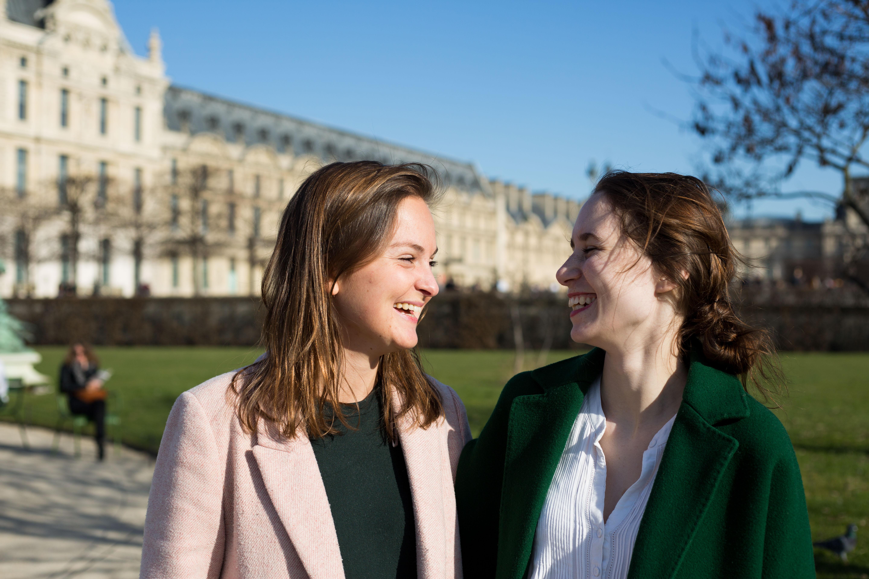 Victoire Lesur et Victoria Ménage fondatrices de la marque de montres Valois Paris