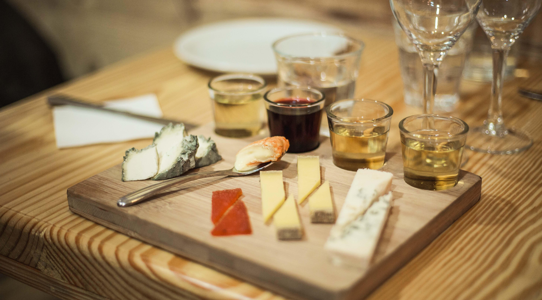 Plateau de dégustation de fromages accords mets-vins