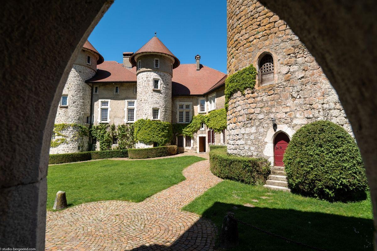 Nuit insolite dans un château en Haute-Savoie