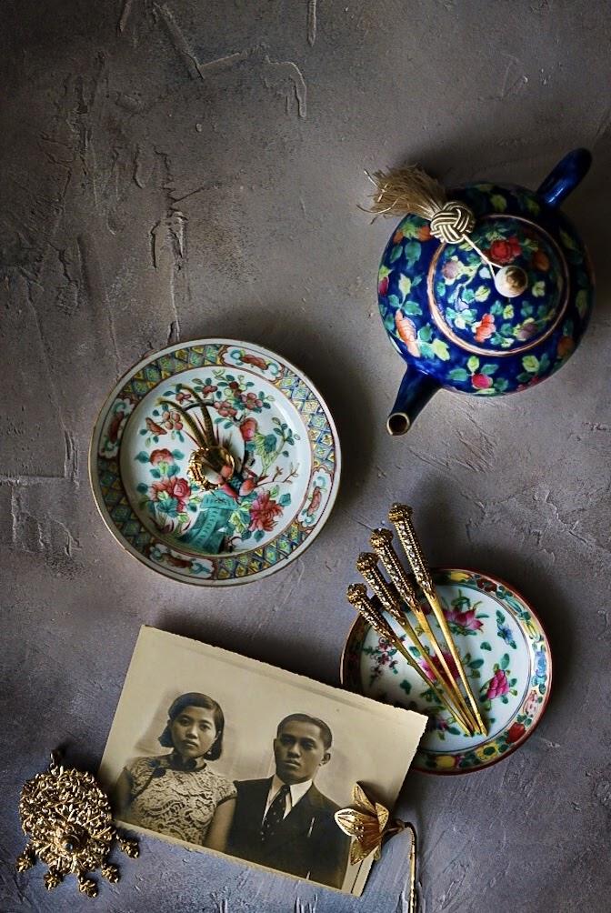 Cenário de jogo de chá vintage de Singapura e fotos ancestrais