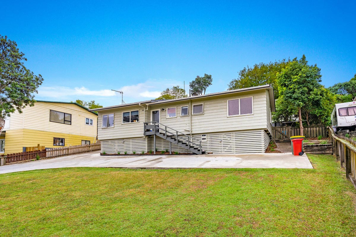 64A Brian Crescent, Stanmore Bay