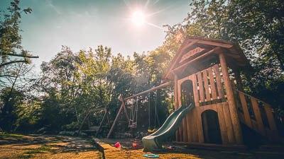 Dětské hřiště u letního Bistra Ranč.