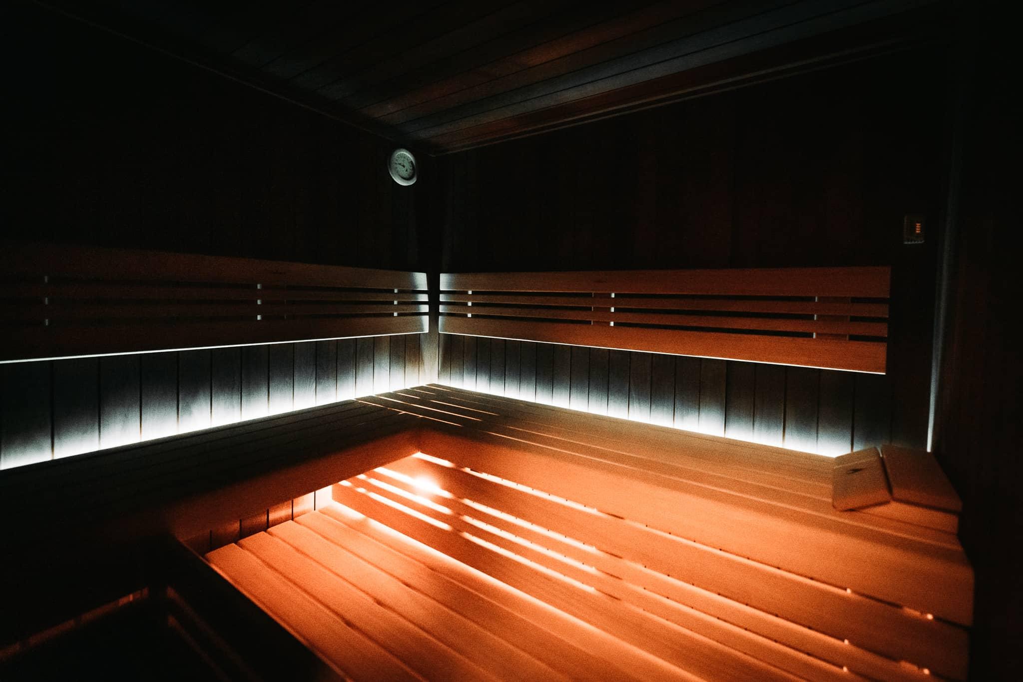 Infra lavice wellness centra v Resortu Svět.