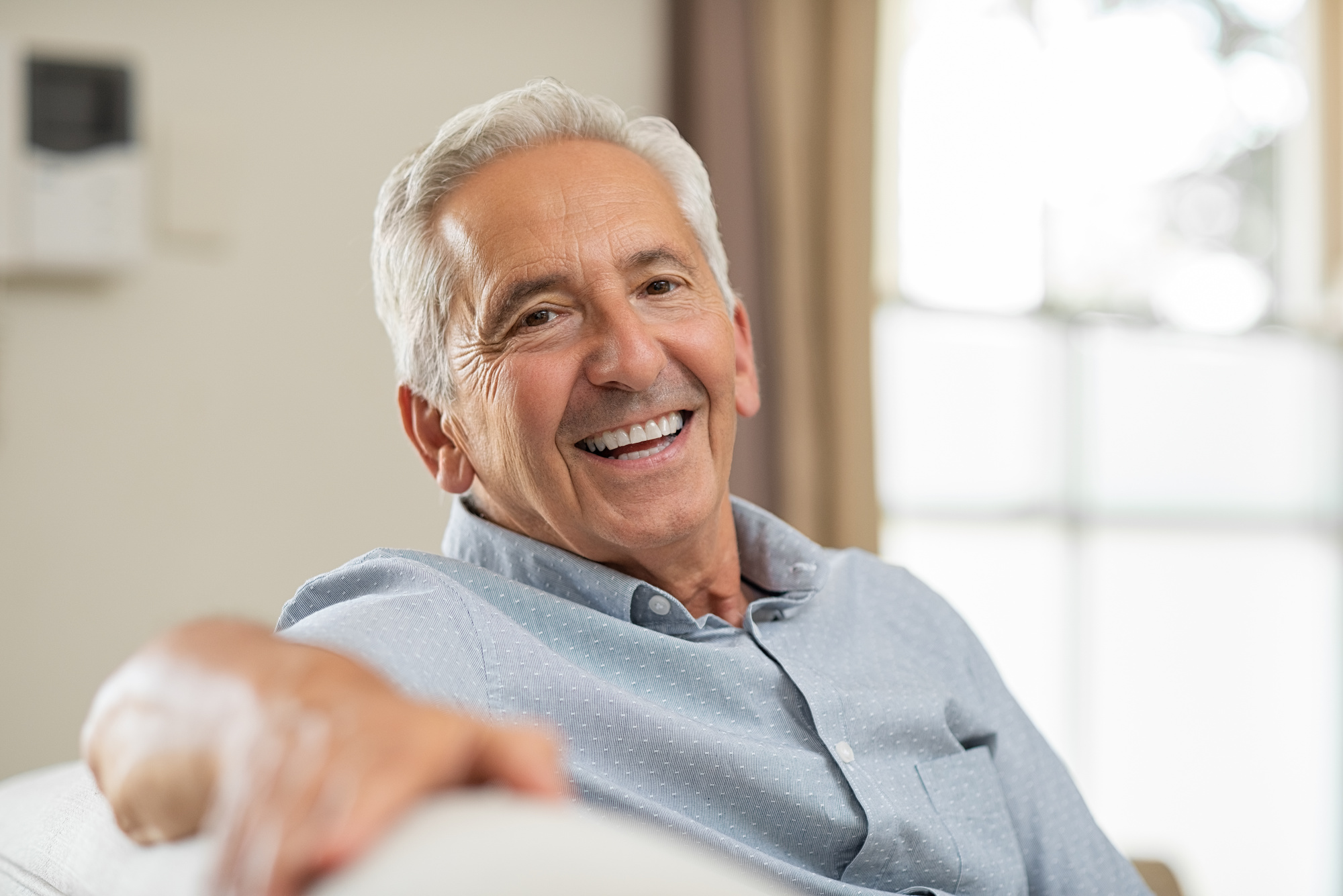 Dental Implants vs. Dentures: What's the Difference? Explaining the Top 5 Differences