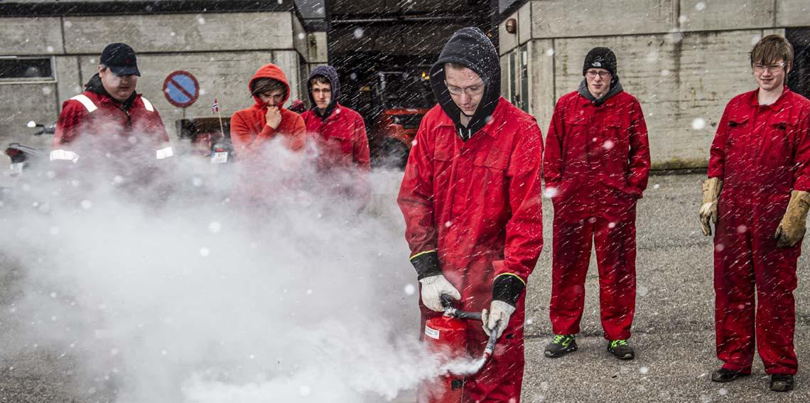 Bilde av elevar varme arbeid