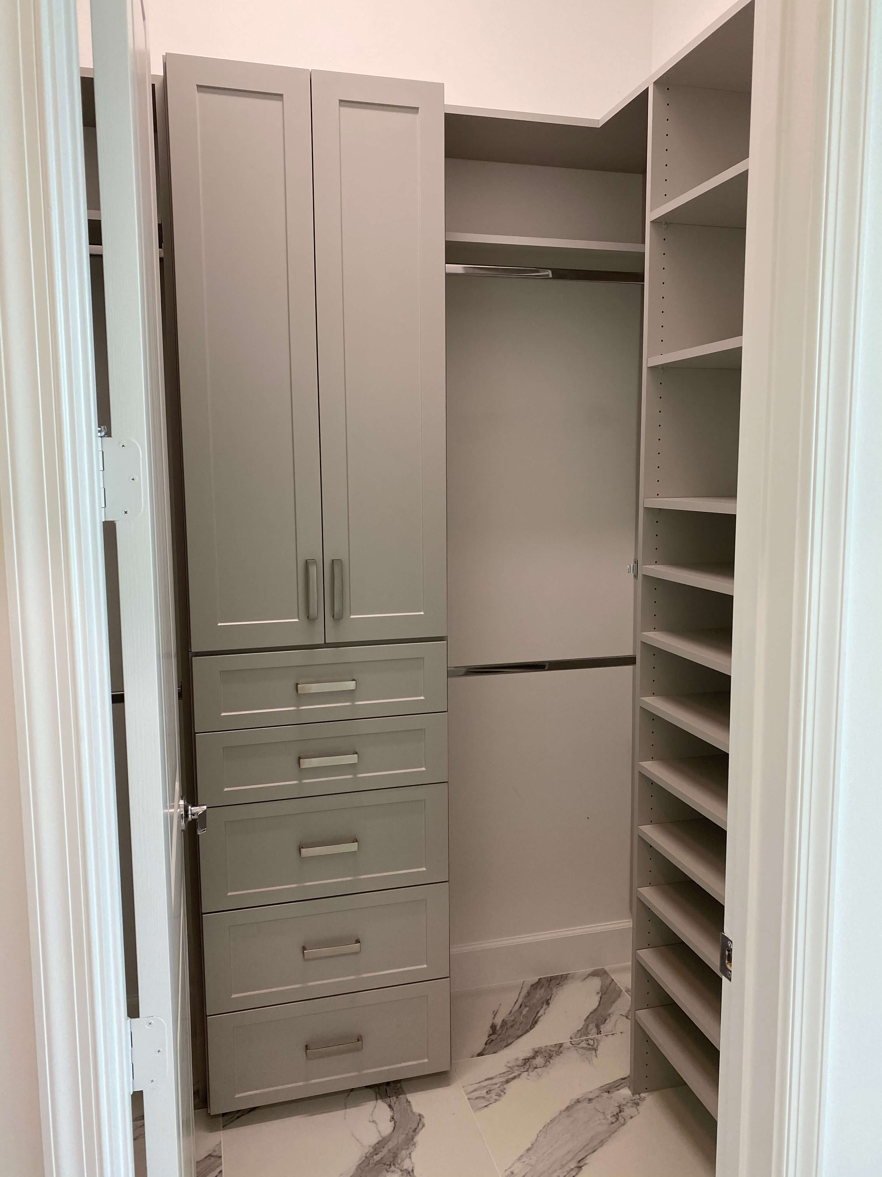 Custom Closets (11)