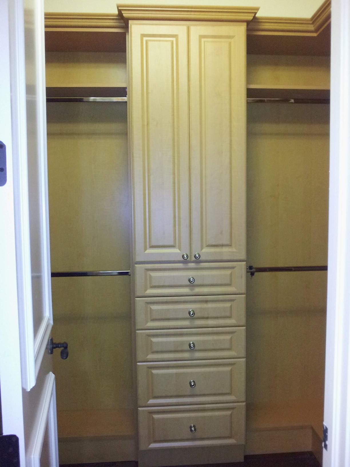 Custom Closet 32