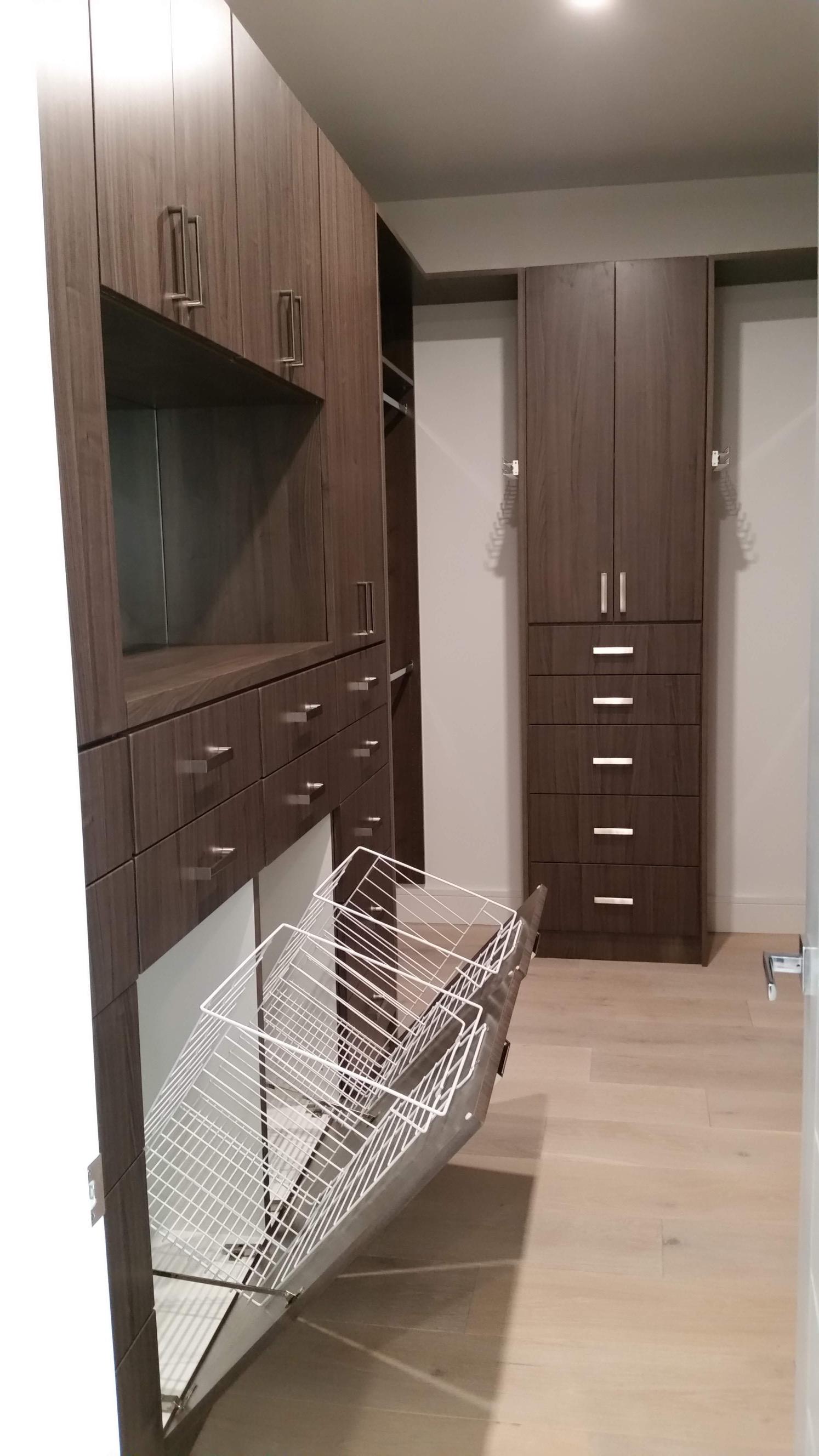 Custom Closet 43