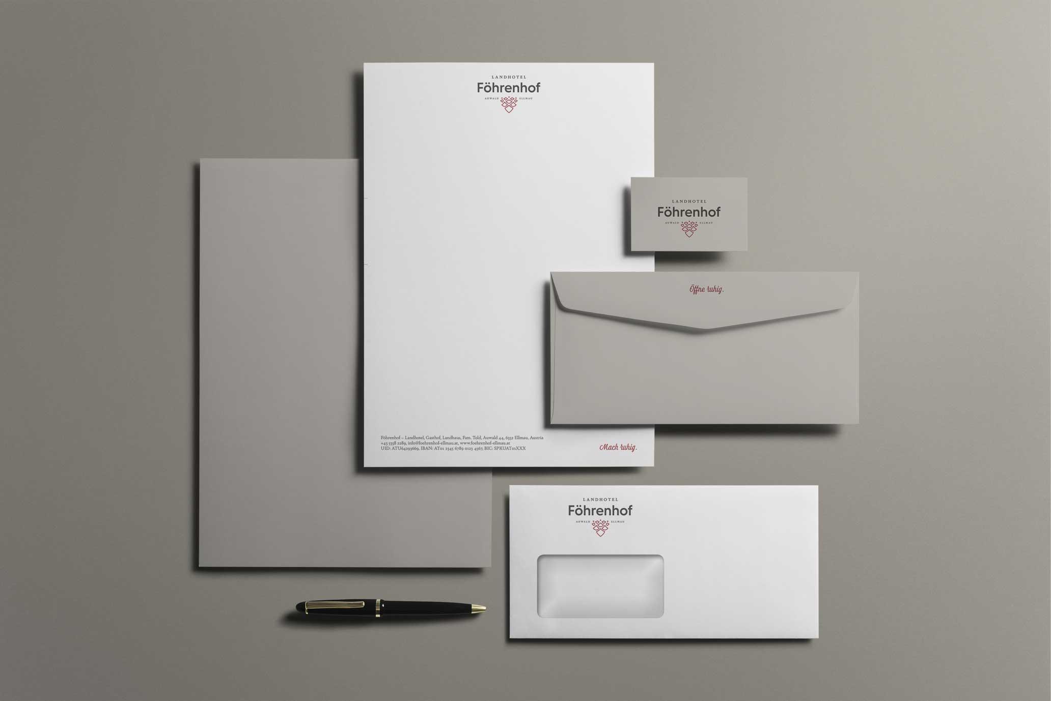 Geschäftsausstattung des Föhrenhofes mit Brief, Kuvert und Visitenkarte.