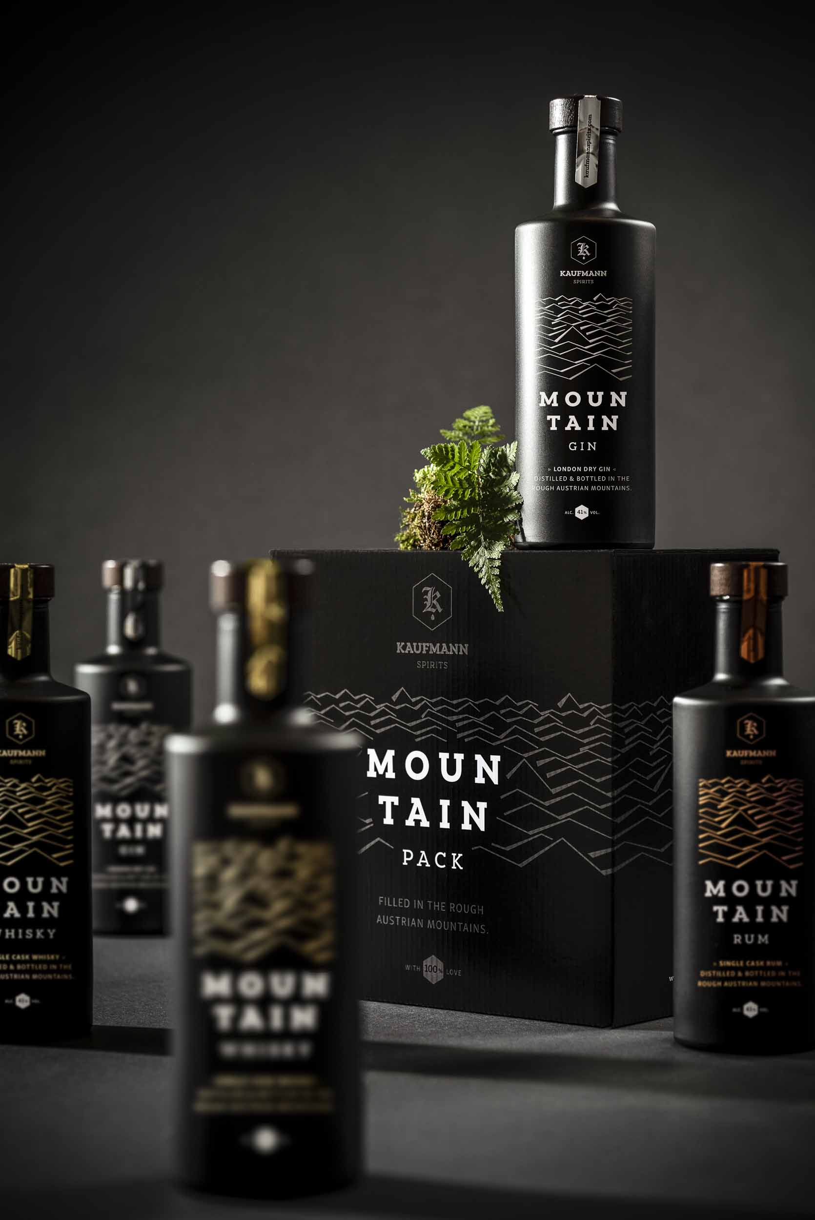 Mountain Pack mit Mountain Gin, Whisky und Rum.