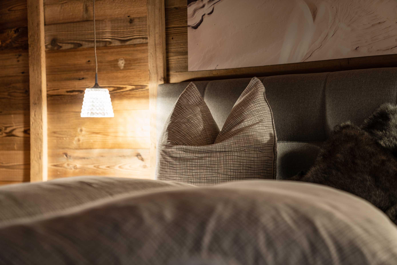 Doppelbett im Wochenbrunn-Chalet.