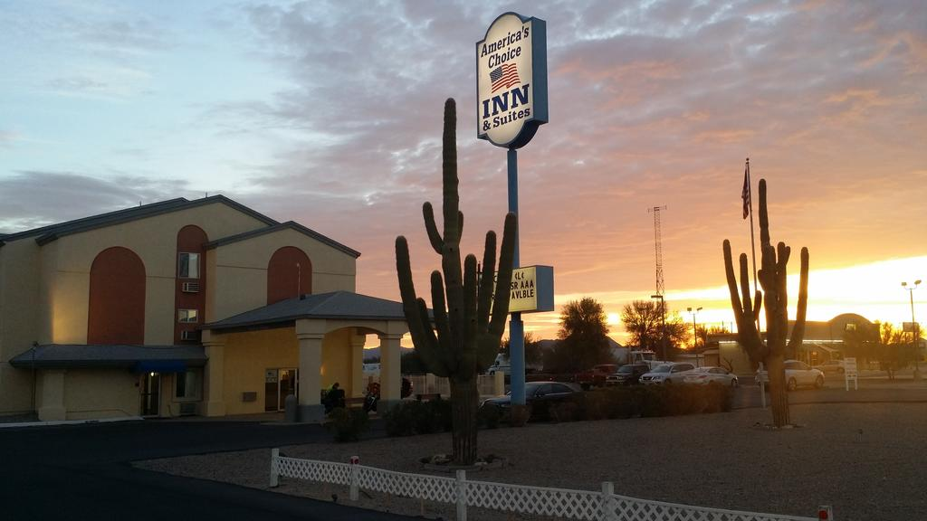 America's Choice Inn & Suites