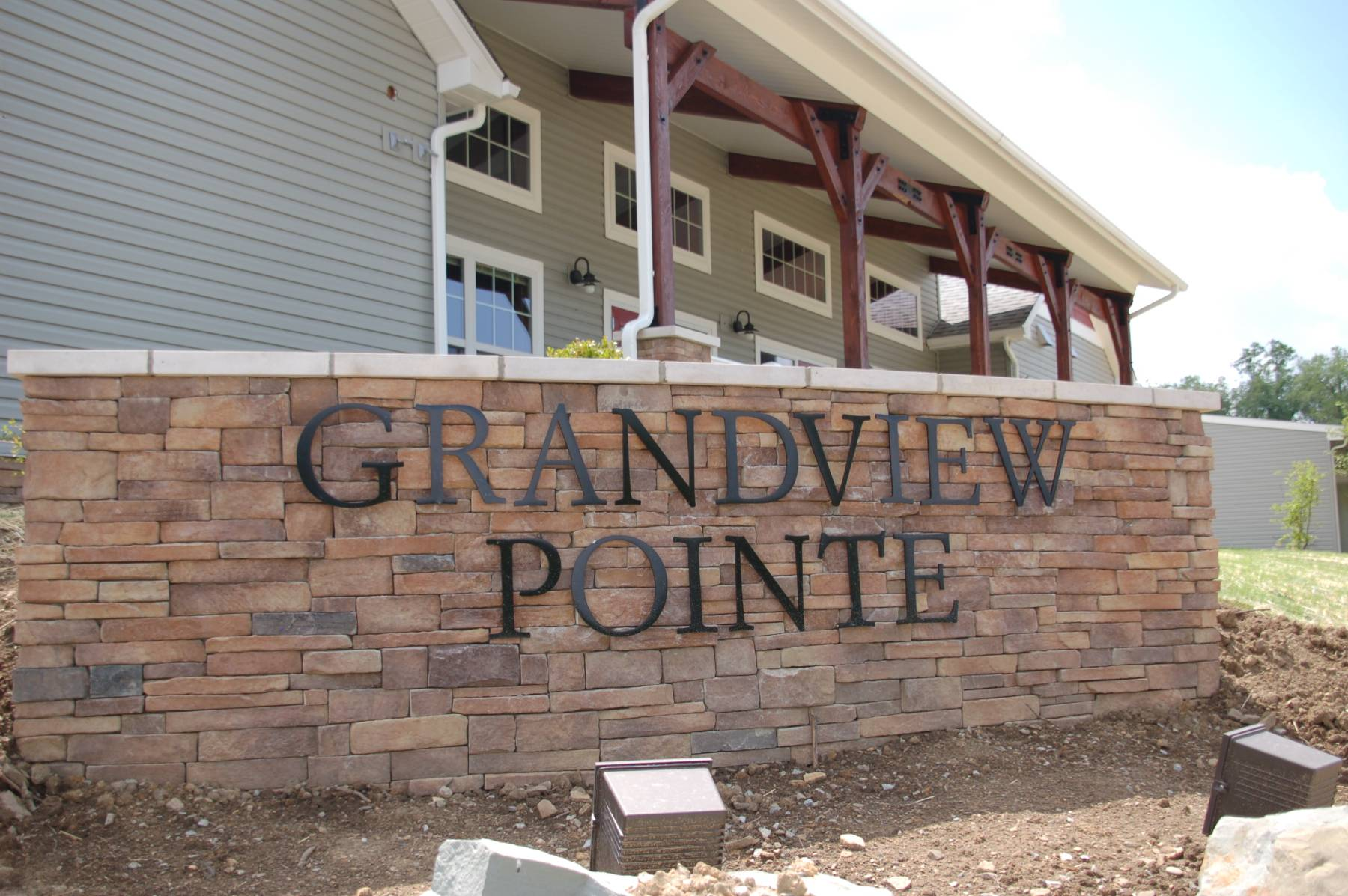Grandview Pointe Images