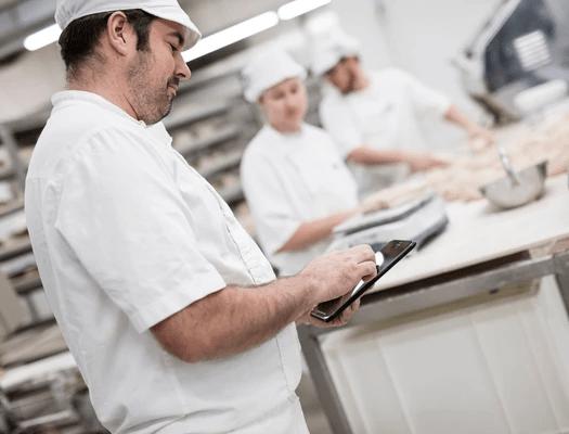 Kontrolle Arbeitszeiten — Zeitmanagement Programm für Bäckerei