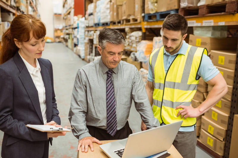 10 indicadores de desempenho logístico que você precisa conhecer