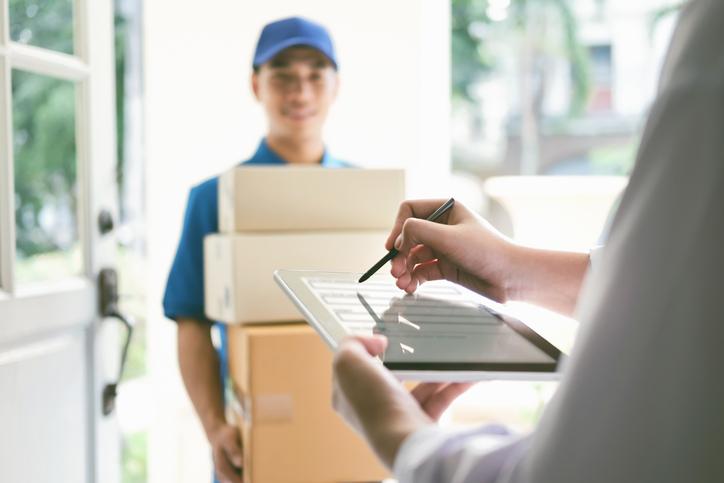 Como a logística reversa influencia positivamente na experiência de compra