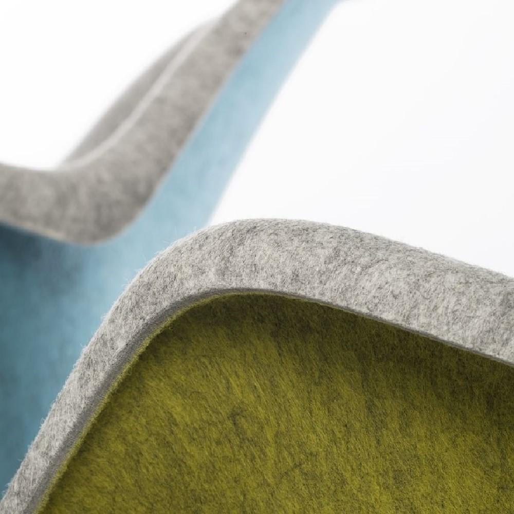 detail van deel van een vilt stoel