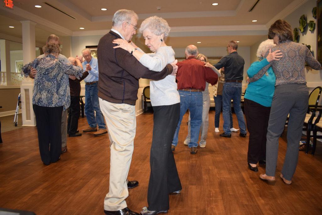 Arbor Oaks residents dancing
