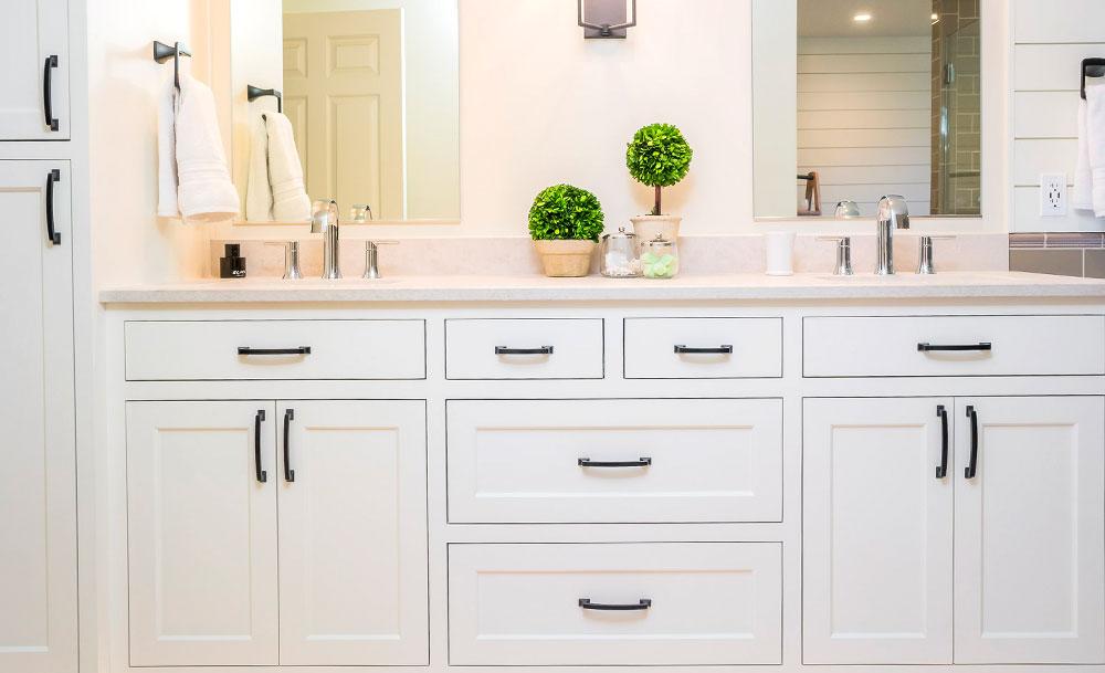 Transitional Master Bathroom White