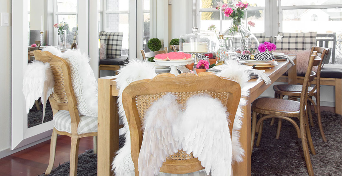 Cottage Chic Valentines Day Table Decor