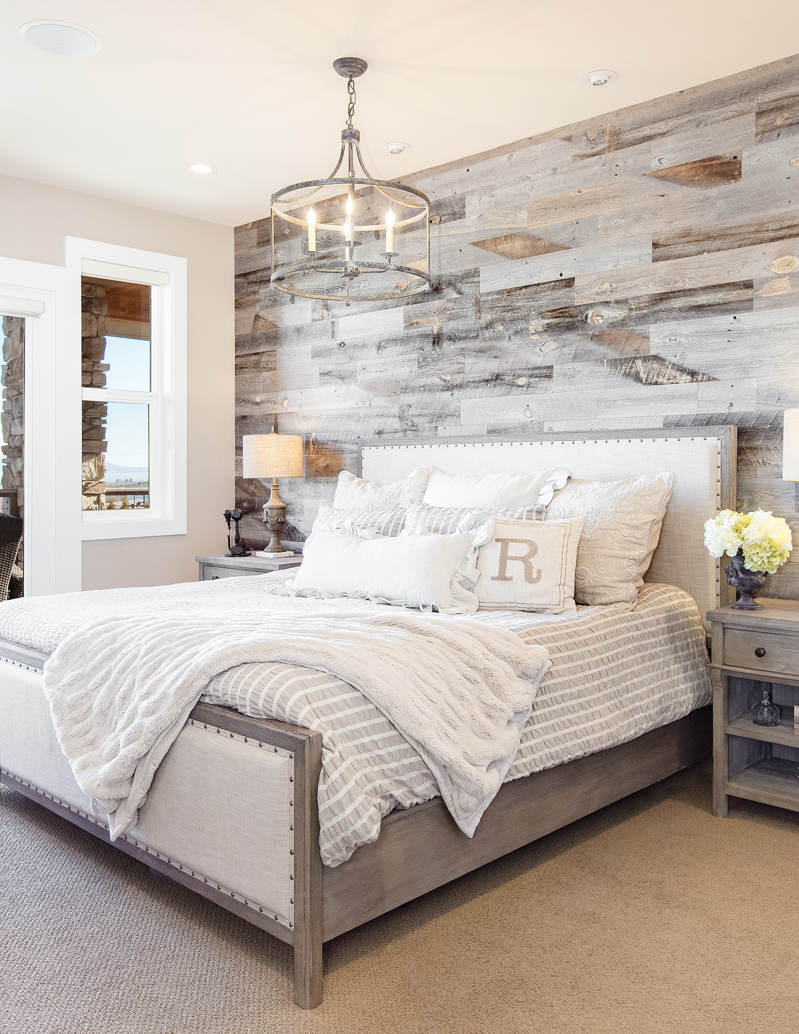 Modern Farmhouse Decorating Ideas for Bedroom