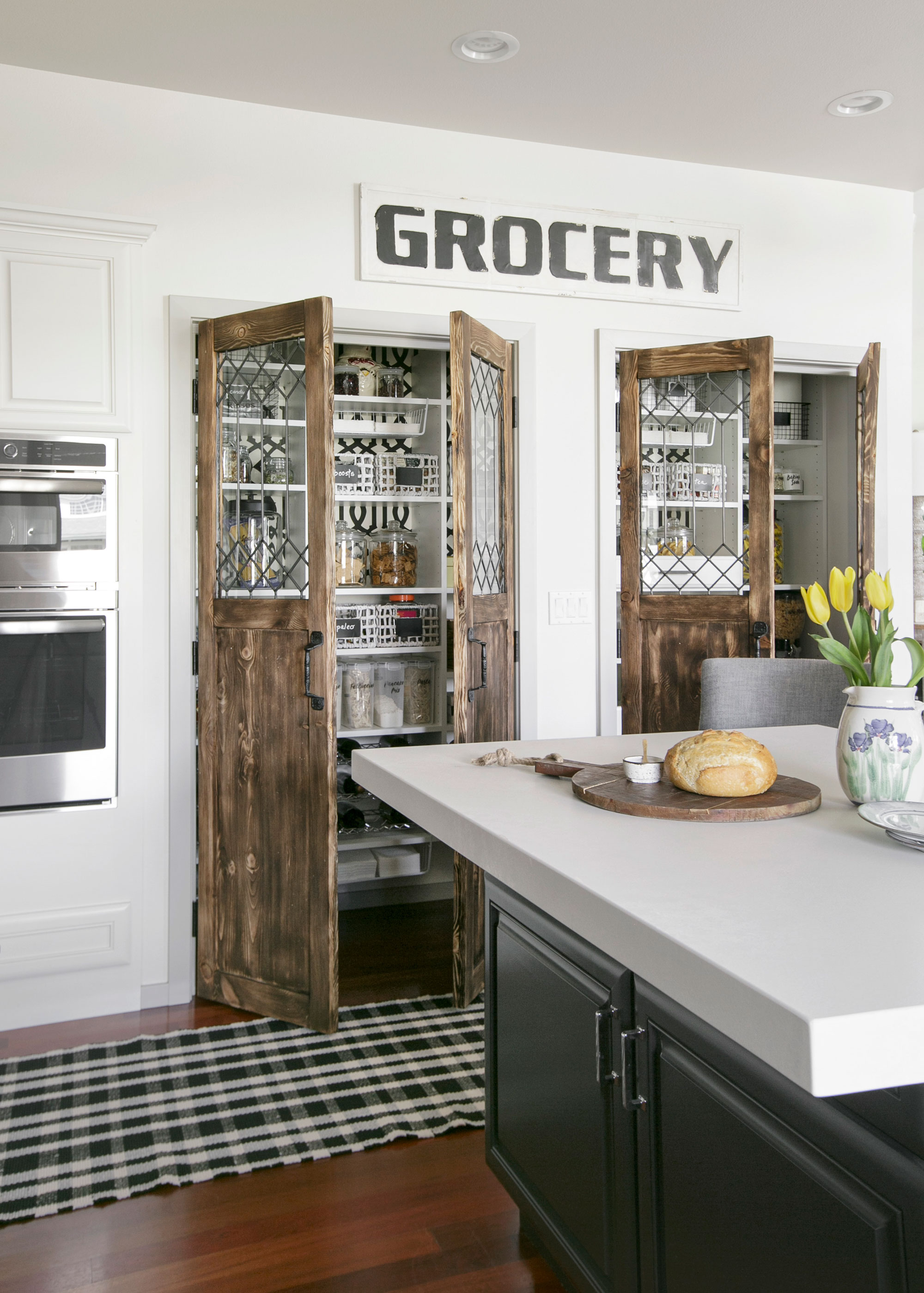 Modern Farmhouse Kitchen & Pantry
