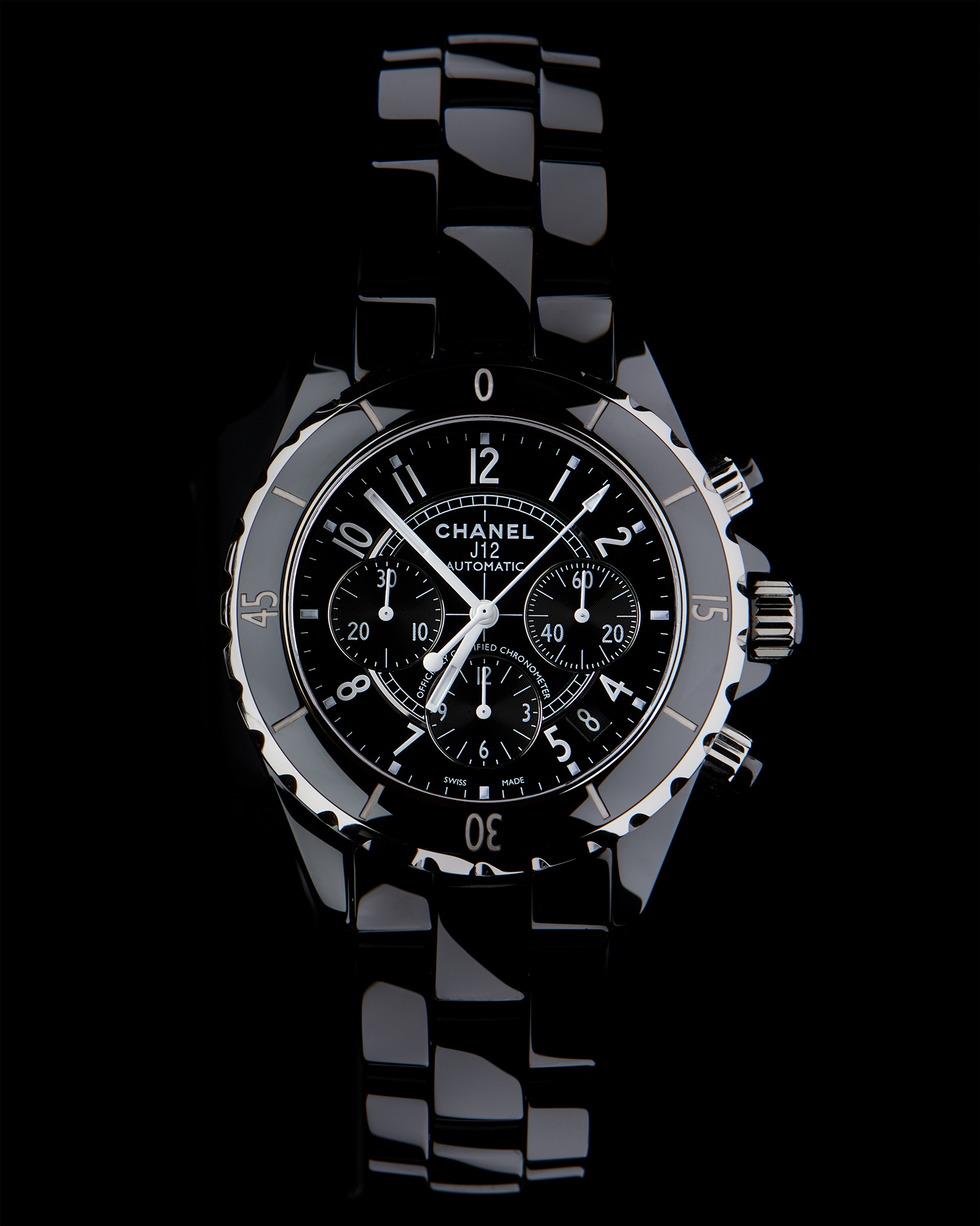 photographe de montres de luxe Chanel j12, photographiée au studio par philippe hahn