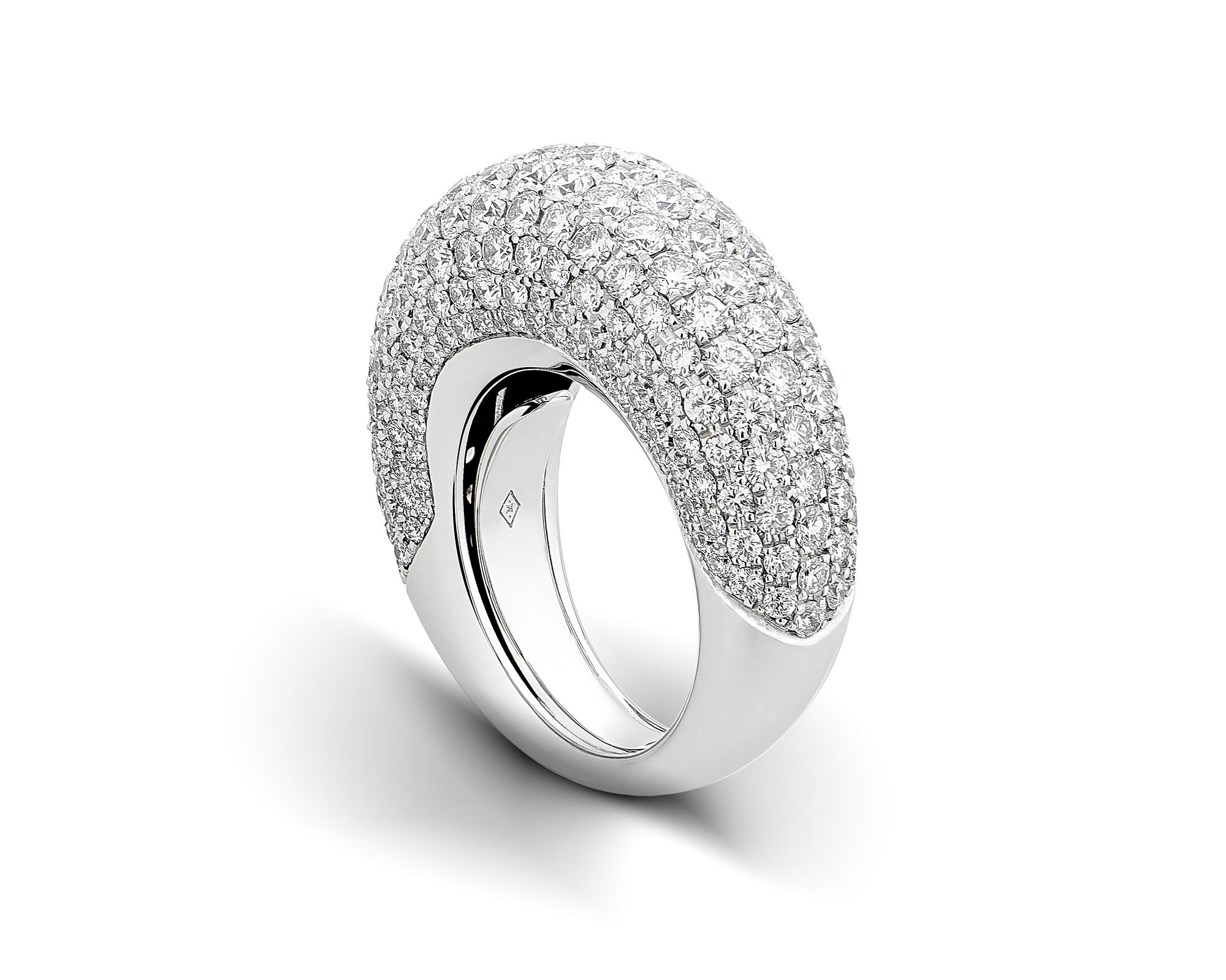 bague or blanc et pavage diamants