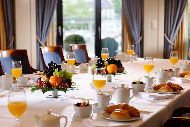Foto des Frühstücksseminars im Hotel Schweizerhof in Zürich, Schweiz
