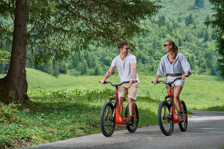 Scooterfahren in den Waadtländer Alpen
