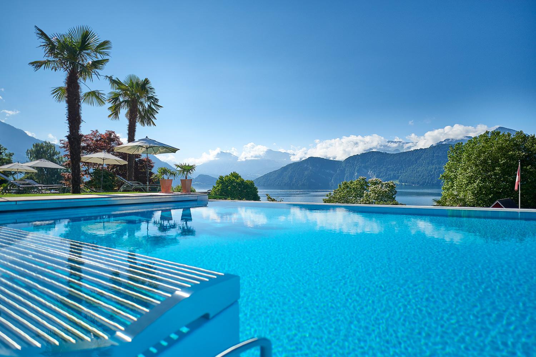 Schwimmbad des Hotels Alexander in Weggis