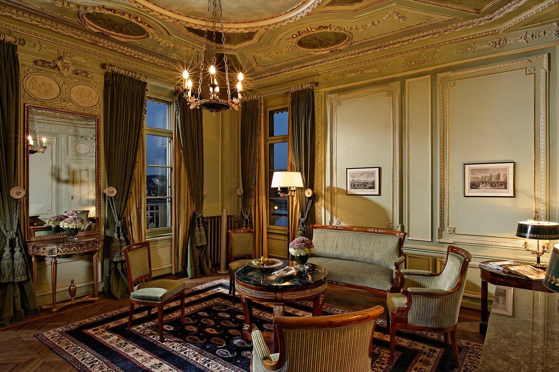 Foto einer Suite im Hotel des trois rois in Basel