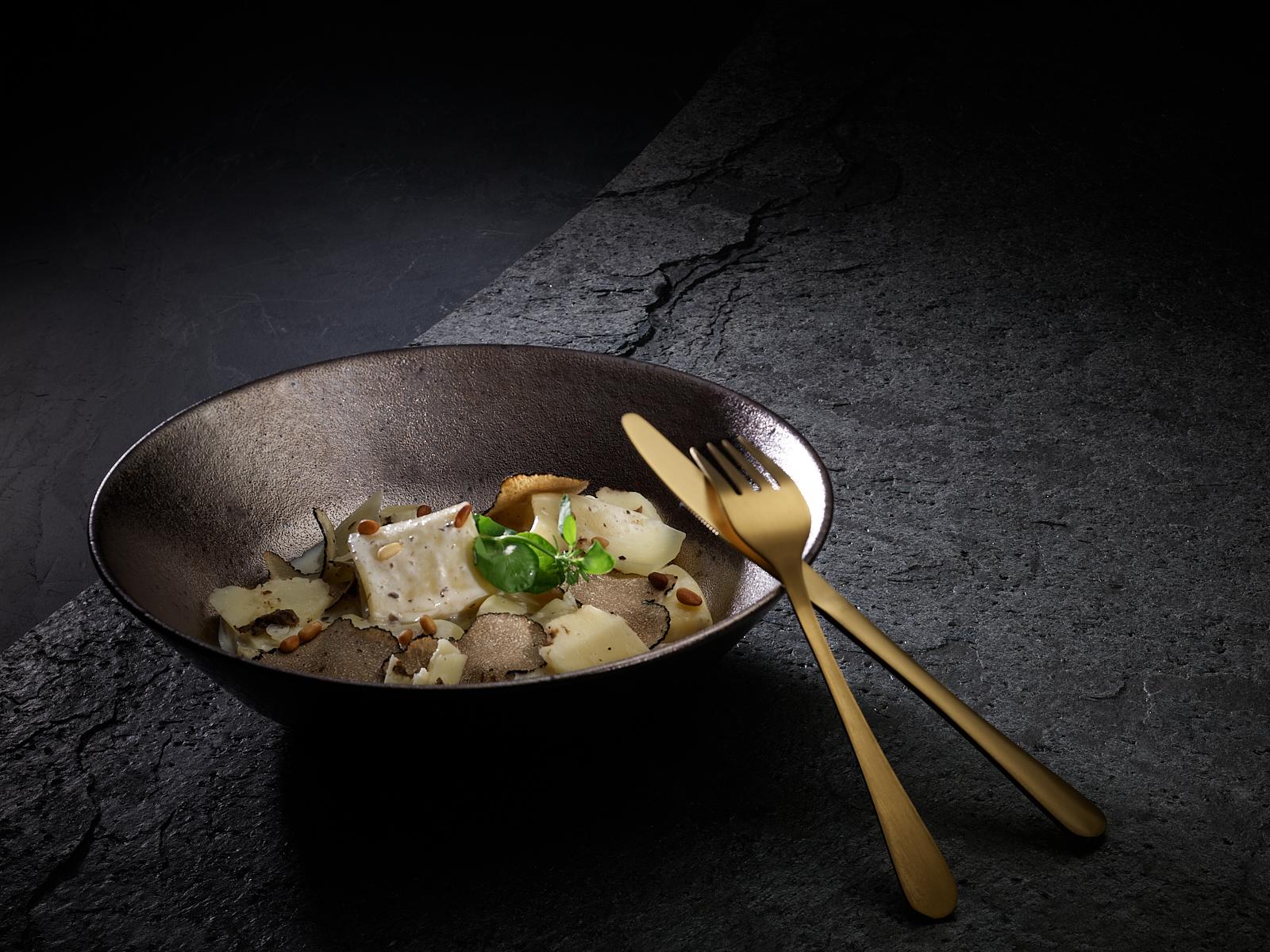 Mezzi Pacheri Truffe d'été, photo culinaire shooting au studio de philippe hahn photographe culinaire