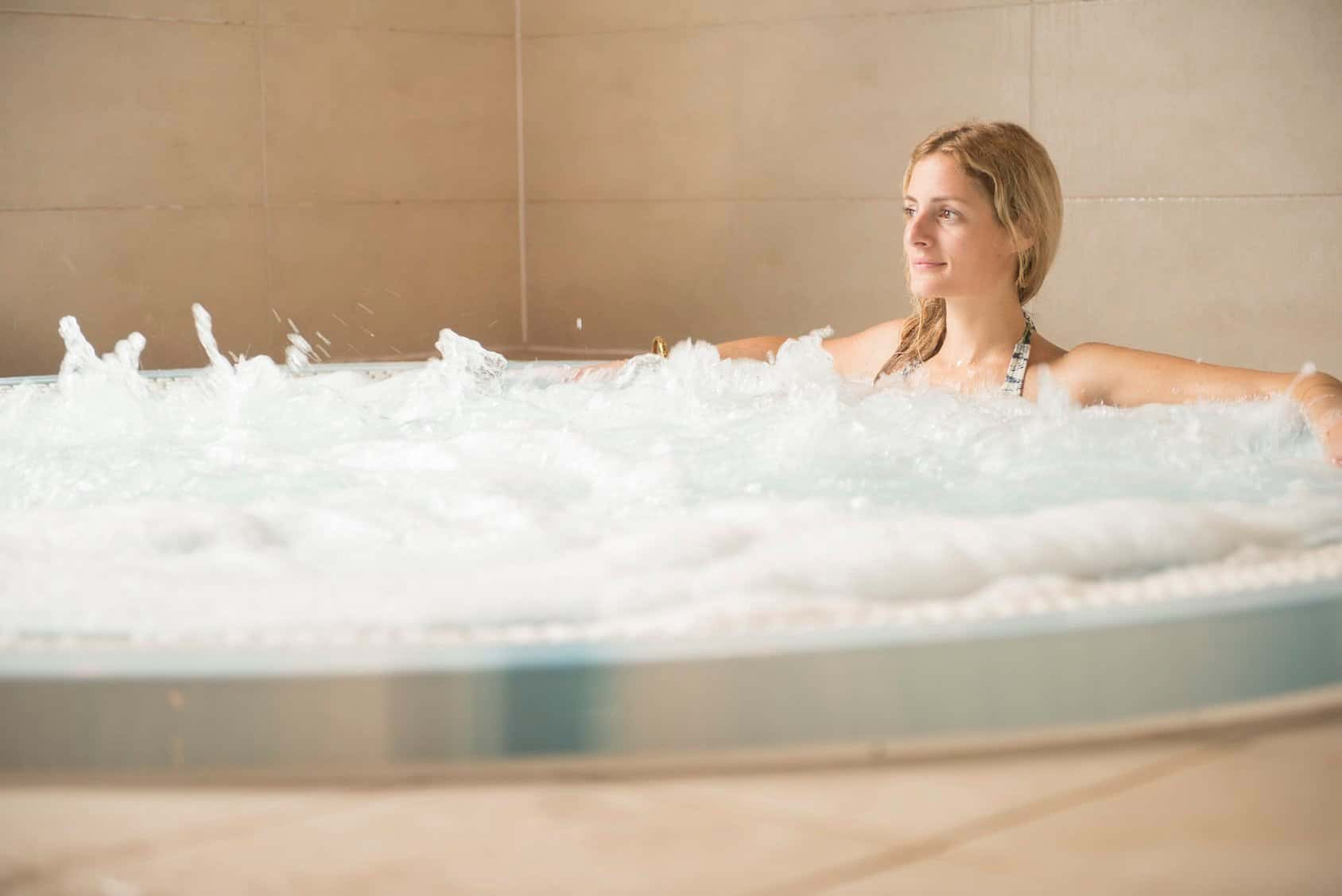 Trenython Manor hot tub
