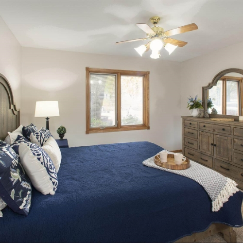 Independent Living Clay Center Presbyterian Manor Bedroom Image