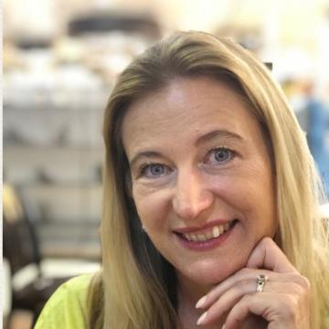 Louise Krull - BD Manager @ Phoenix5 International