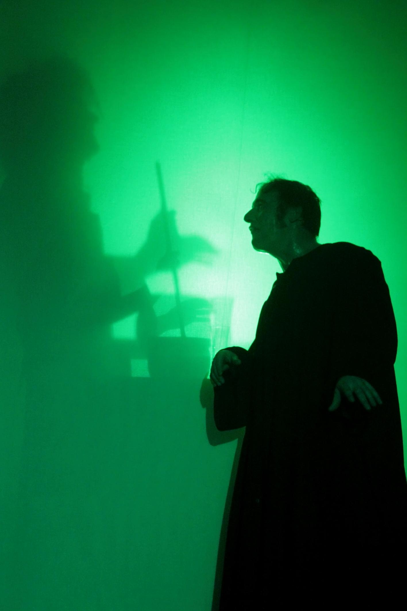 Bild aus der Inszenierung von Faust als Titelbild für den Link zum Karten bestellen.
