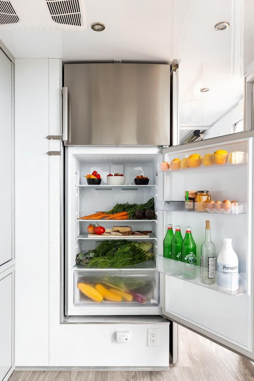 travel trailer refrigerator