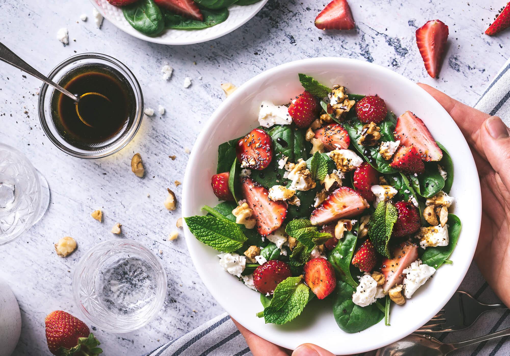 Vollwertbox Erdbeer Gemüse-Bowl