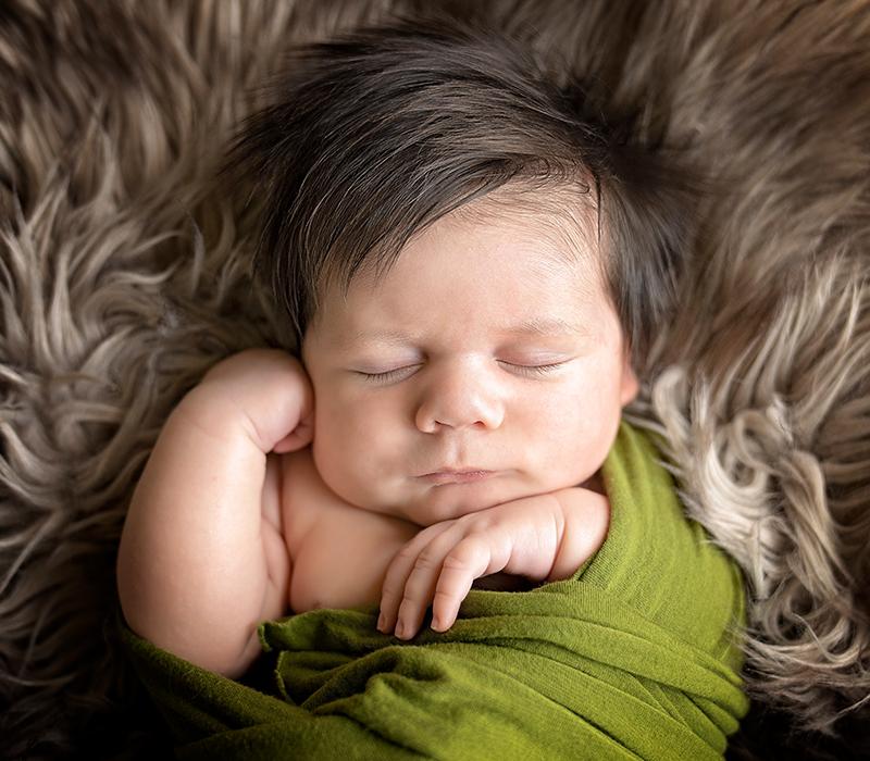 Newborns | Visuals Photography